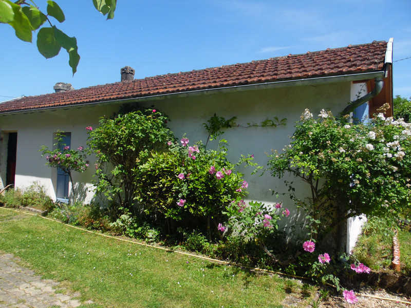 French property for sale in Bourg, Gironde - €324,360 - photo 10