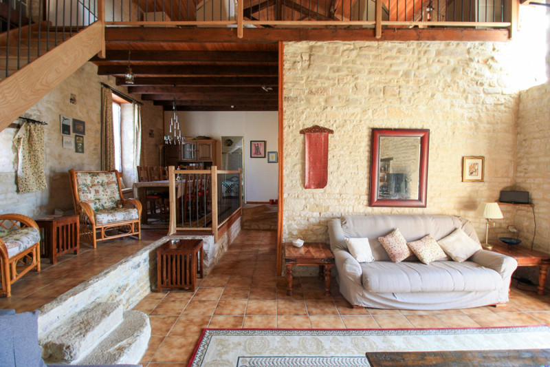 French property for sale in Fontaine-Chalendray, Charente-Maritime - €119,900 - photo 4