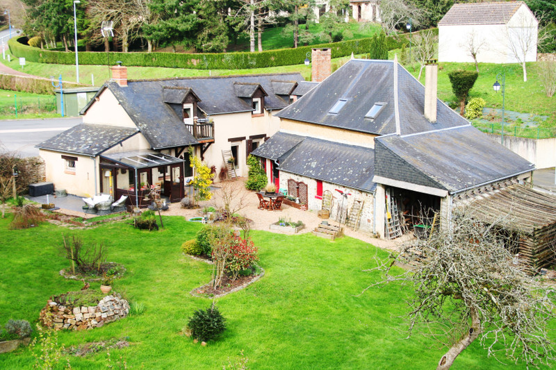 French property for sale in Sillé-le-Guillaume, Sarthe - €239,625 - photo 2