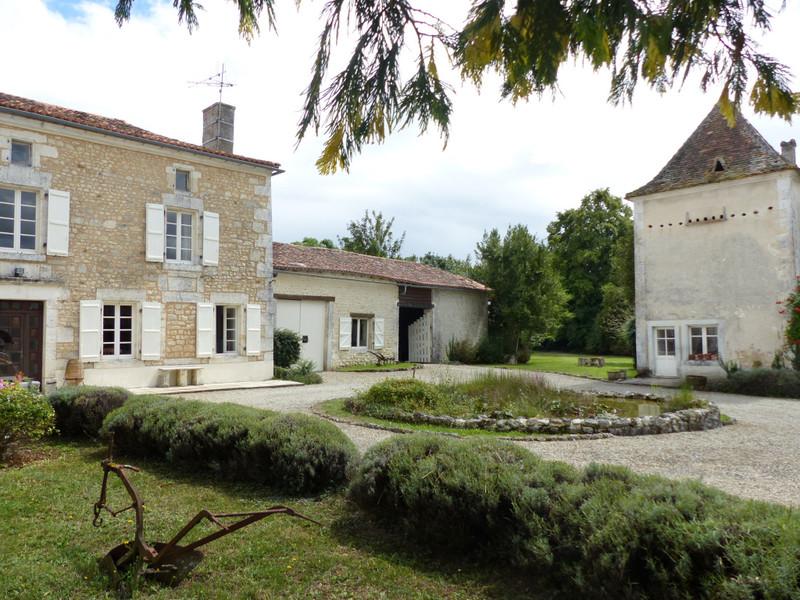 French property for sale in Plassac-Rouffiac, Charente - €318,000 - photo 8