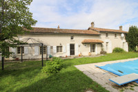French property, houses and homes for sale inFrontenay-sur-DiveVienne Poitou_Charentes