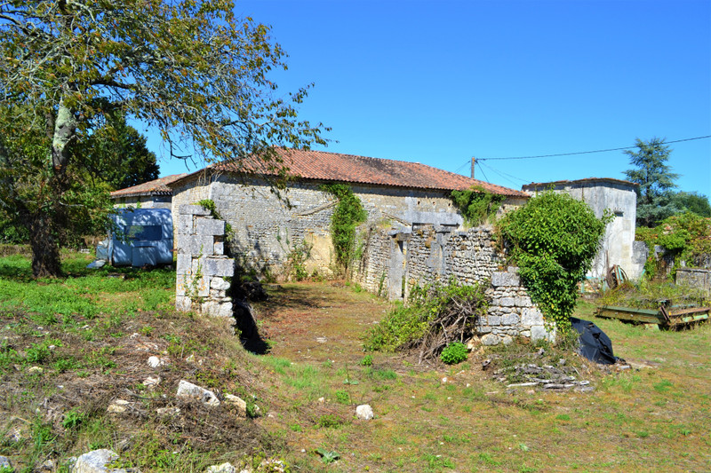 French property for sale in Dignac, Charente - €61,600 - photo 2
