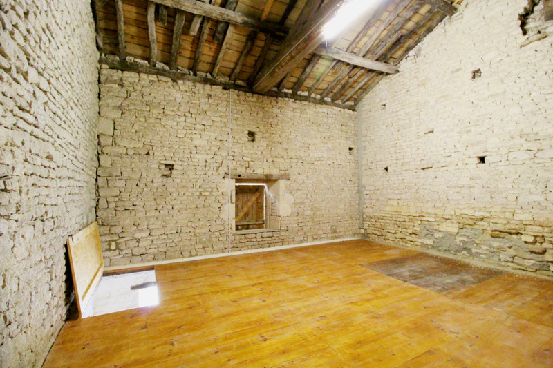 French property for sale in Fontaine-Chalendray, Charente-Maritime - €130,800 - photo 5