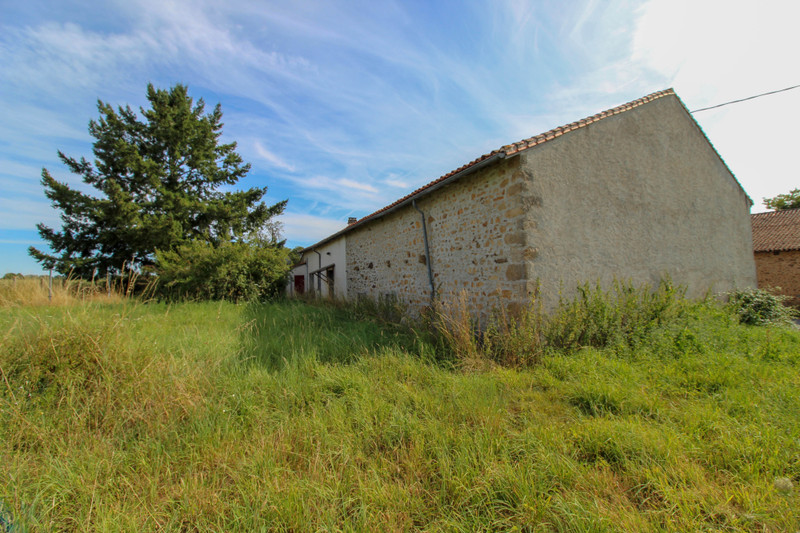 French property for sale in Saint-Junien-les-Combes, Haute-Vienne - €77,000 - photo 10