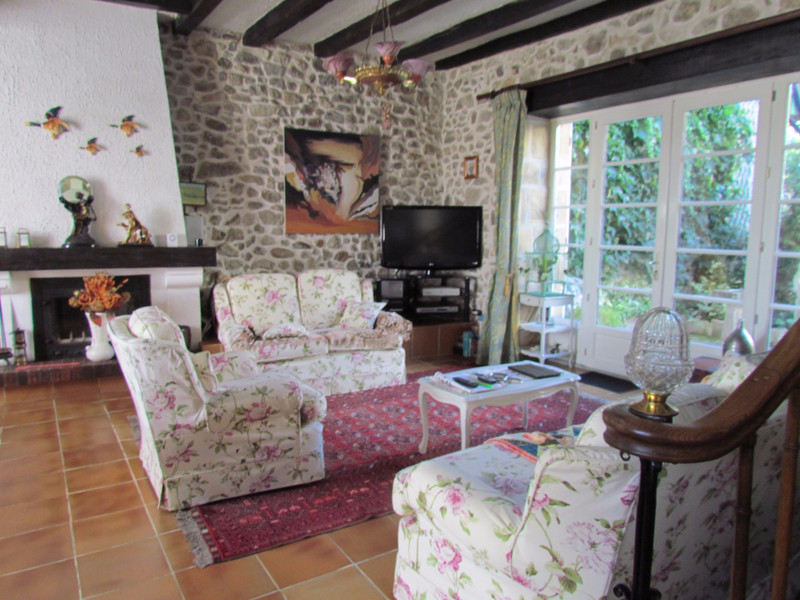 French property for sale in Availles-Limouzine, Vienne - €199,800 - photo 2