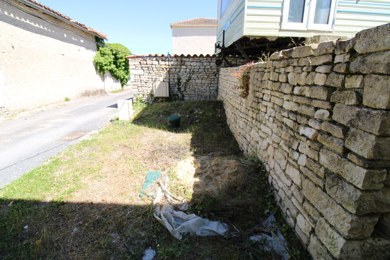 French property for sale in Anais, Charente - €36,600 - photo 7