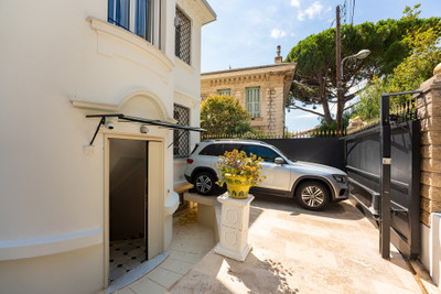 Nice Mont Boron - 120m2 4 bedroom villa with pool and panoramic sea view