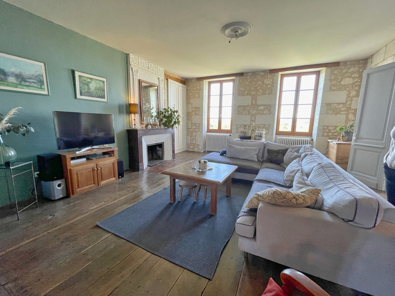 French property for sale in Saint-Aulaye, Dordogne - €402,800 - photo 4