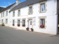 French property, houses and homes for sale inSaint-Gilles-Vieux-MarchéCôtes-d'Armor Brittany