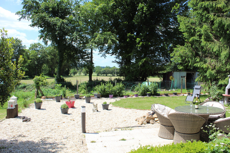 French property for sale in Saint-Clément-Rancoudray, Manche - €130,800 - photo 2