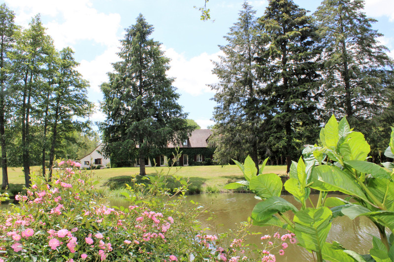 French property for sale in Clémont, Cher - €1,102,500 - photo 2