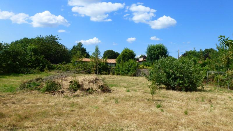French property for sale in Souvigné, Deux-Sèvres - €27,000 - photo 4