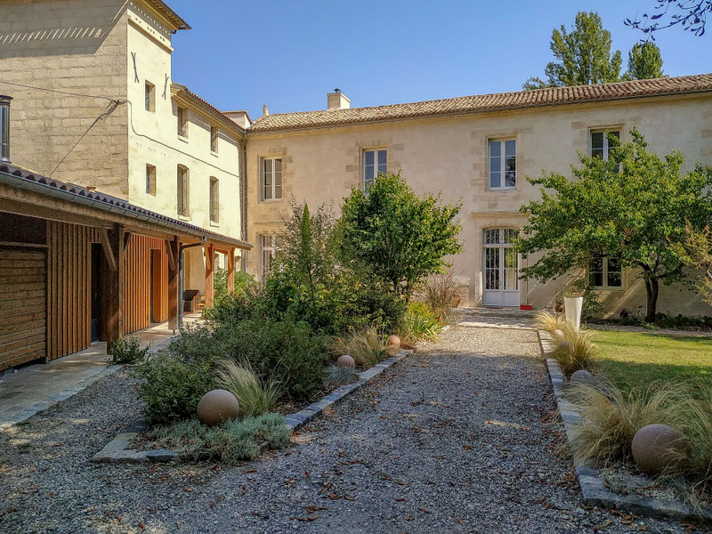 French property for sale in Floirac, Gironde - €2,205,000 - photo 3