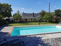 Belle maison en pierre de 4 chambres entièrement rénovée, grand jardin et piscine majestueuse avec gîte