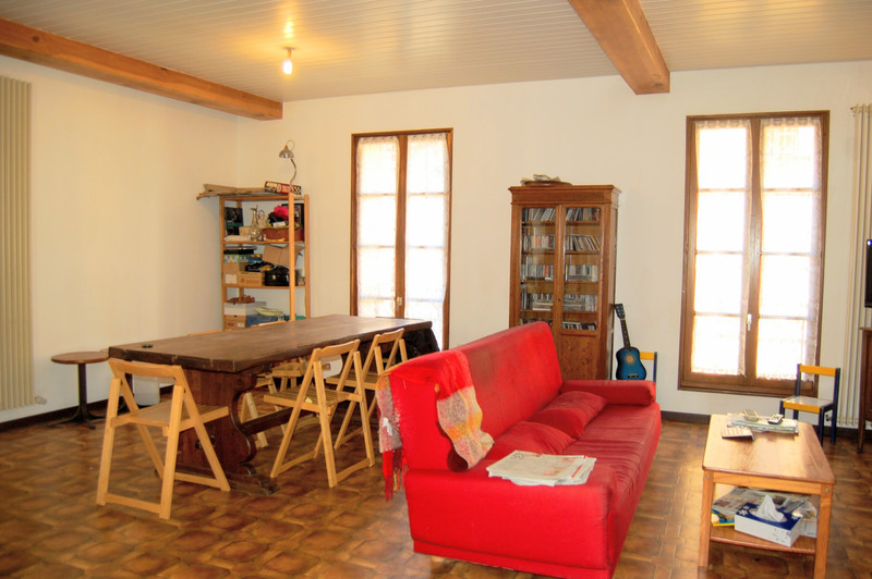 French property for sale in Lalinde, Dordogne - €185,000 - photo 2