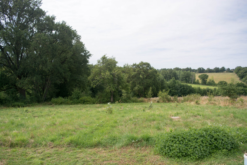 French property for sale in Adriers, Vienne - €96,800 - photo 2