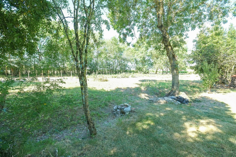 French property for sale in Aumagne, Charente-Maritime - €194,400 - photo 4