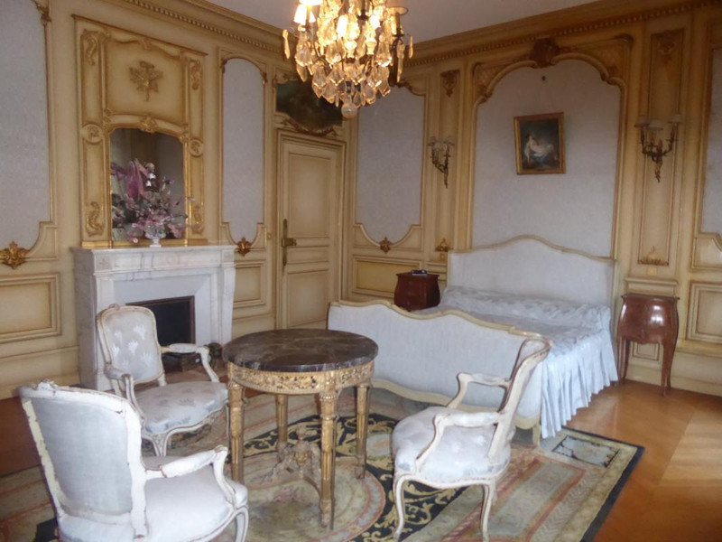 French property for sale in Saint-Gérand-le-Puy, Allier - €595,000 - photo 4