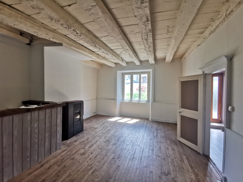 French property for sale in Châlus, Haute-Vienne - €109,000 - photo 2