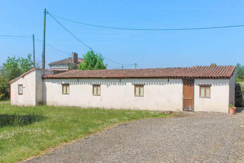 French property for sale in La Chapelle-Thireuil, Deux Sevres - €189,999 - photo 9