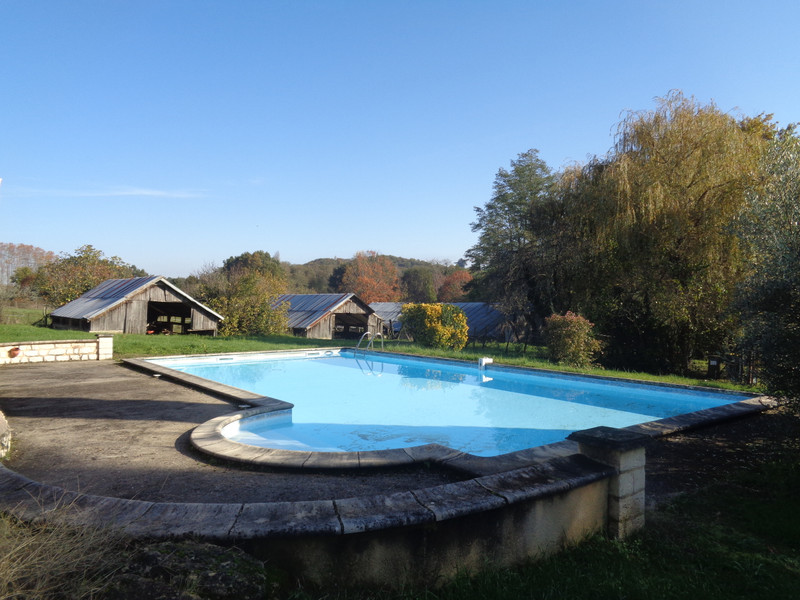 French property for sale in Castillon-la-Bataille, Gironde - €315,000 - photo 2