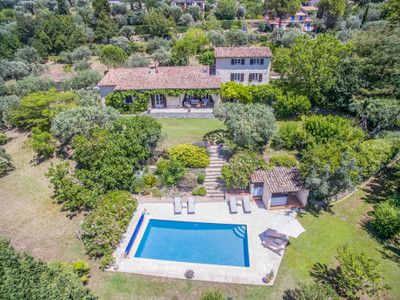 Beautiful 4 bedroom stone bastide with independent guest studio in Fayence