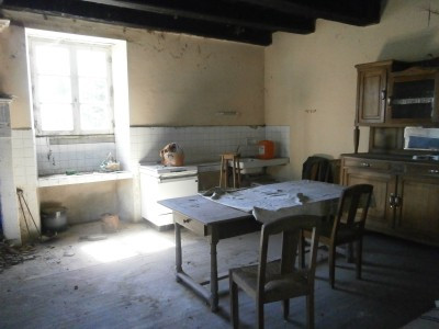 French property for sale in Montmoreau-Saint-Cybard, Charente - €71,500 - photo 5