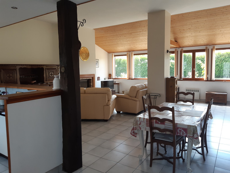 French property for sale in Couesmes-Vaucé, Mayenne - €190,000 - photo 6