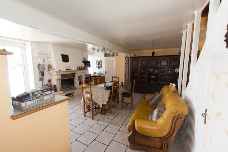 French property for sale in Brigueil-le-Chantre, Vienne - €108,900 - photo 2