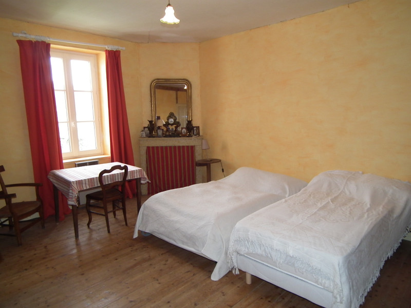 French property for sale in Auzances, Creuse - €99,000 - photo 9
