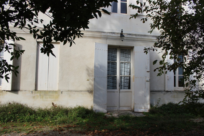 French property for sale in Fronsac, Gironde - €371,000 - photo 2