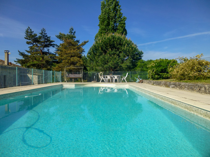 French property for sale in Duras, Lot et Garonne - €399,000 - photo 3