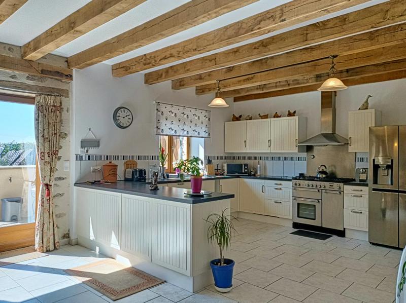 Maison à vendre à Thiat, Haute-Vienne - 249 950 € - photo 3