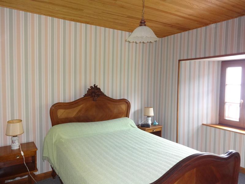 Maison à vendre à Dienne, Cantal - 224 700 € - photo 8