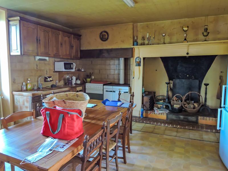 French property for sale in Peyrignac, Dordogne - €310,000 - photo 2