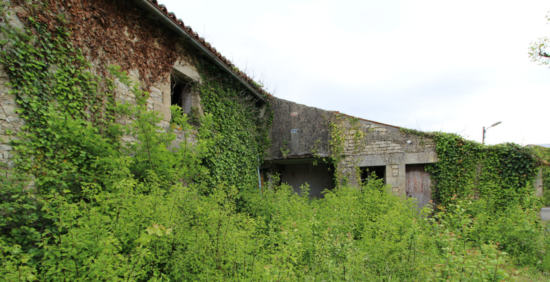 French property for sale in Romazières, Charente-Maritime - €12,000 - photo 4