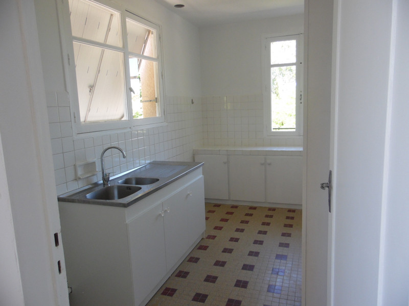 French property for sale in Bourg, Gironde - €299,600 - photo 9