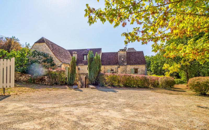 French property for sale in Saint-Aubin-de-Nabirat, Dordogne - €695,000 - photo 2