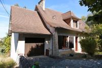 Maison du village avec 4 chambres, garage, jardin et piscine a Mareuil