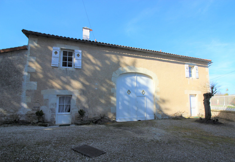 French property for sale in Luxé, Charente - €667,800 - photo 10