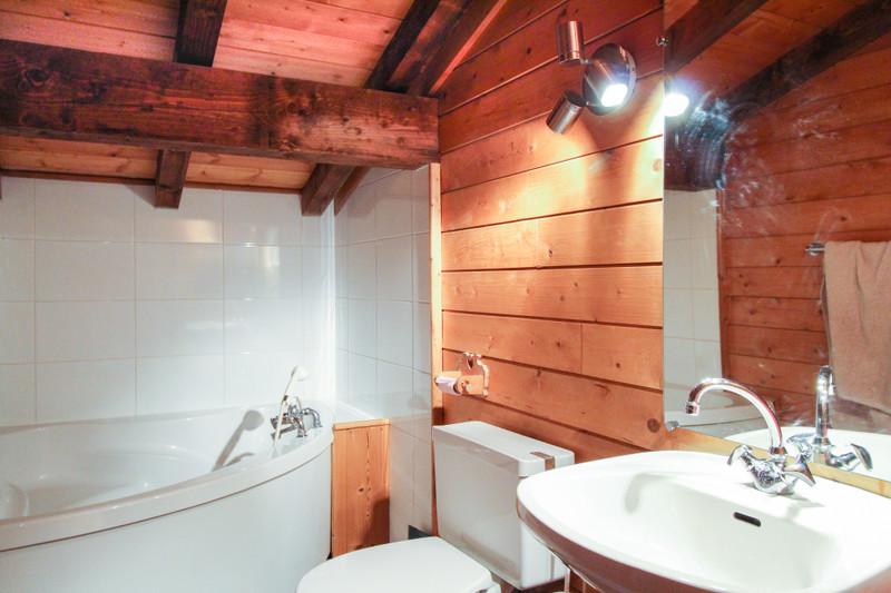 French property for sale in LES CARROZ D ARACHES, Haute-Savoie - €695,000 - photo 9