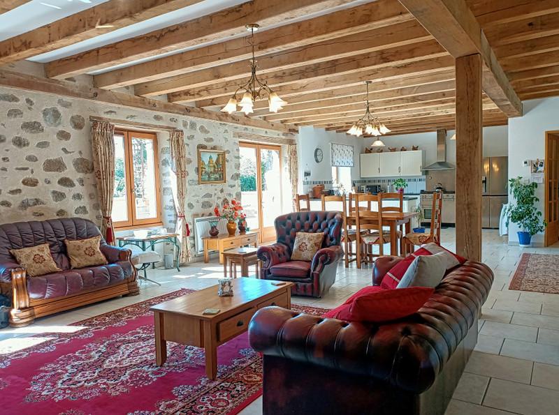 Maison à vendre à Thiat, Haute-Vienne - 249 950 € - photo 2