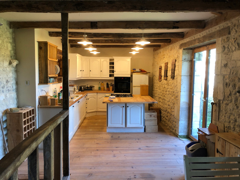 French property for sale in Chardes, Charente-Maritime - €199,000 - photo 4