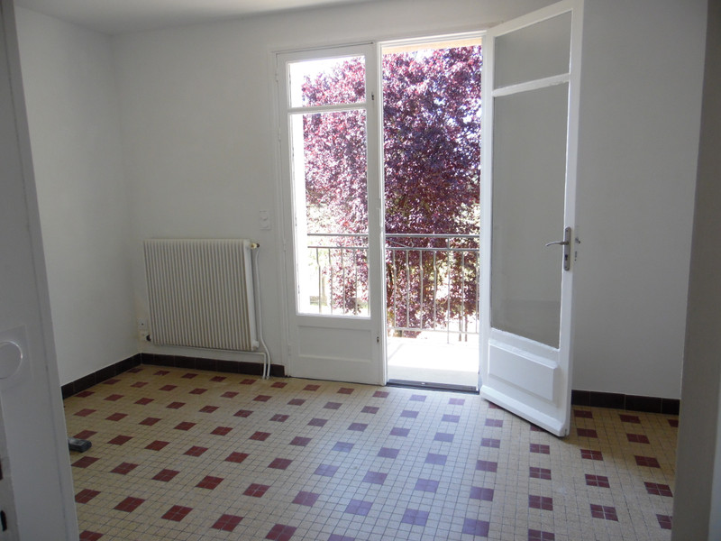 French property for sale in Bourg, Gironde - €299,600 - photo 4