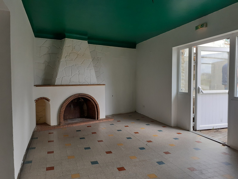 French property for sale in Meux, Charente Maritime - €194,400 - photo 4