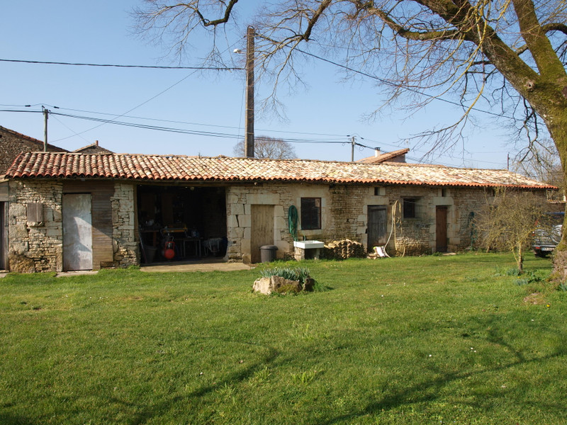 French property for sale in Pliboux, Deux Sevres - €162,000 - photo 2