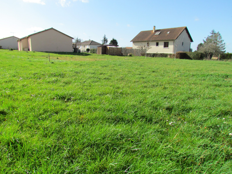 French property for sale in L'Isle-Jourdain, Vienne - €24,600 - photo 4