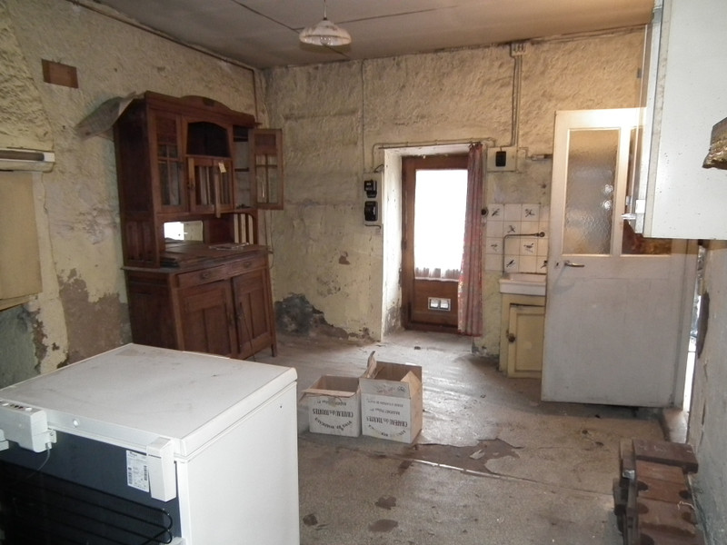 French property for sale in Auzances, Creuse - €31,600 - photo 8