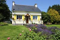 French property, houses and homes for sale inSaint-Nicolas-du-PélemCôtes-d'Armor Brittany