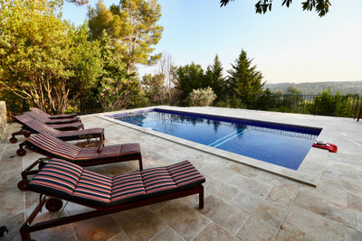 Beautiful stone Mas with views in Fayence